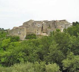 Immagine di paesaggio, scorcio di Rotello, citta dell'olio Pangia Dop Molise. Extra virgin olive oil Pangia - Italy / Extra natives Olivenöl Pangia - Italien.